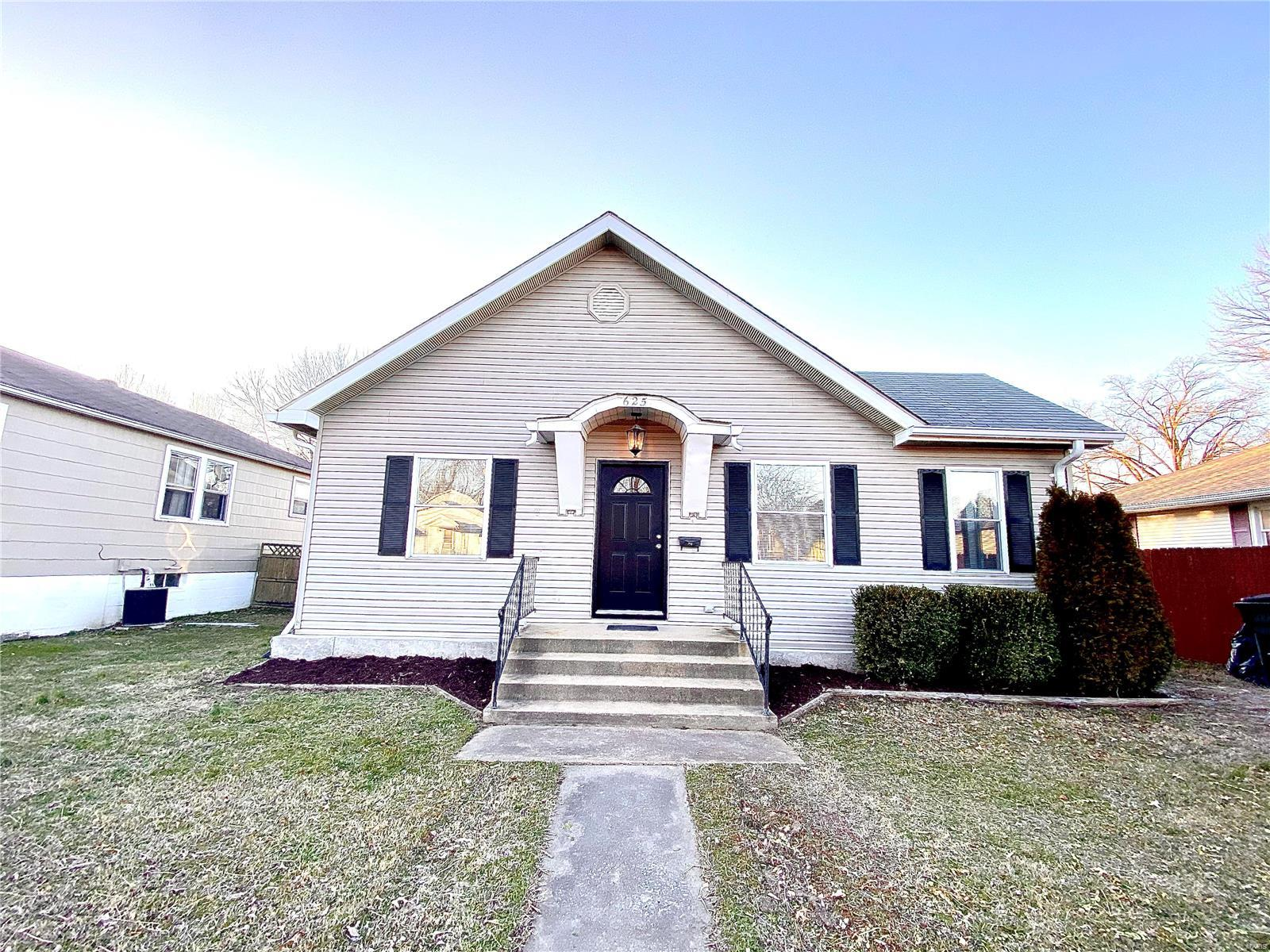 625 N 3rd Street Property Photo - Dupo, IL real estate listing
