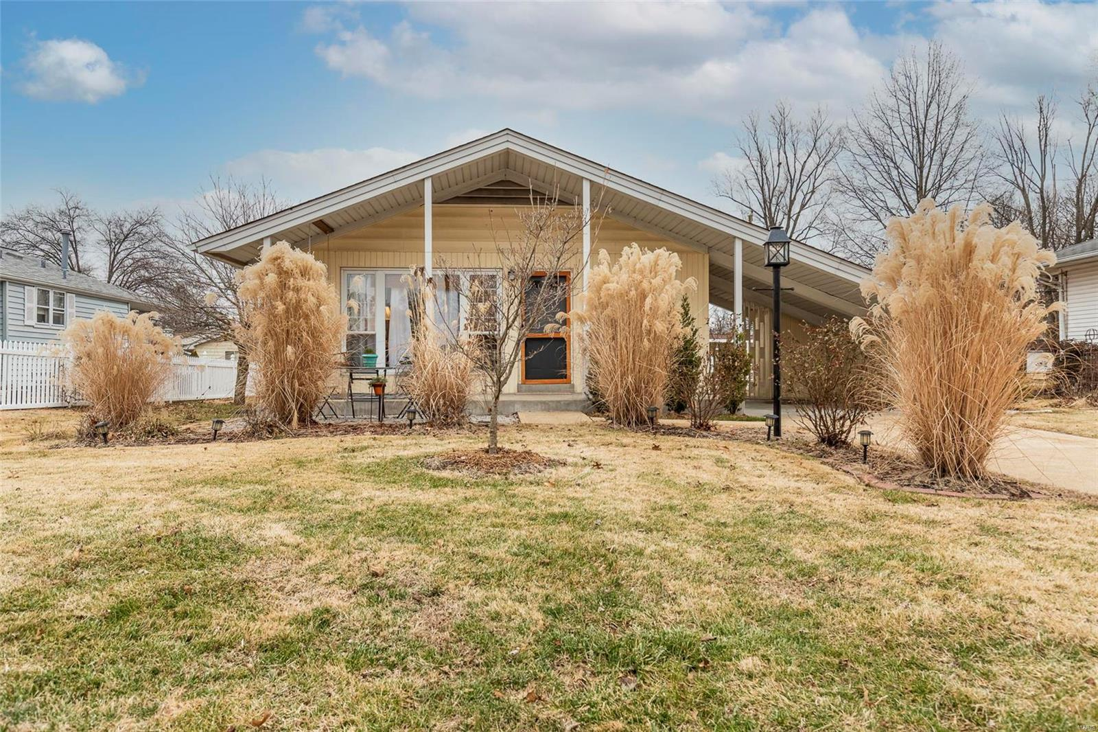 710 Montego Property Photo - St Louis, MO real estate listing