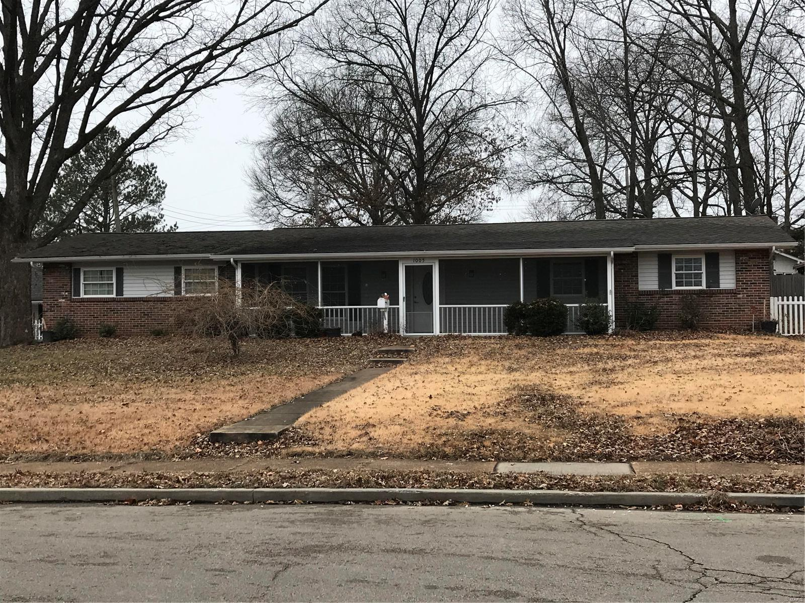 1005 Mississippi Avenue Property Photo - Crystal City, MO real estate listing