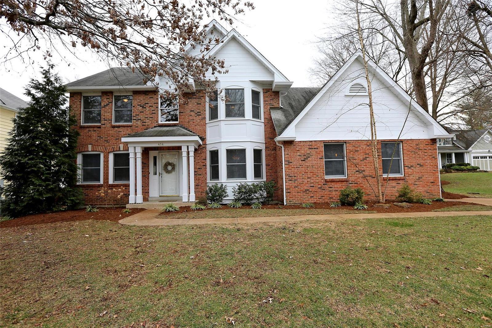 414 Woodview Manor Lane Property Photo - Kirkwood, MO real estate listing
