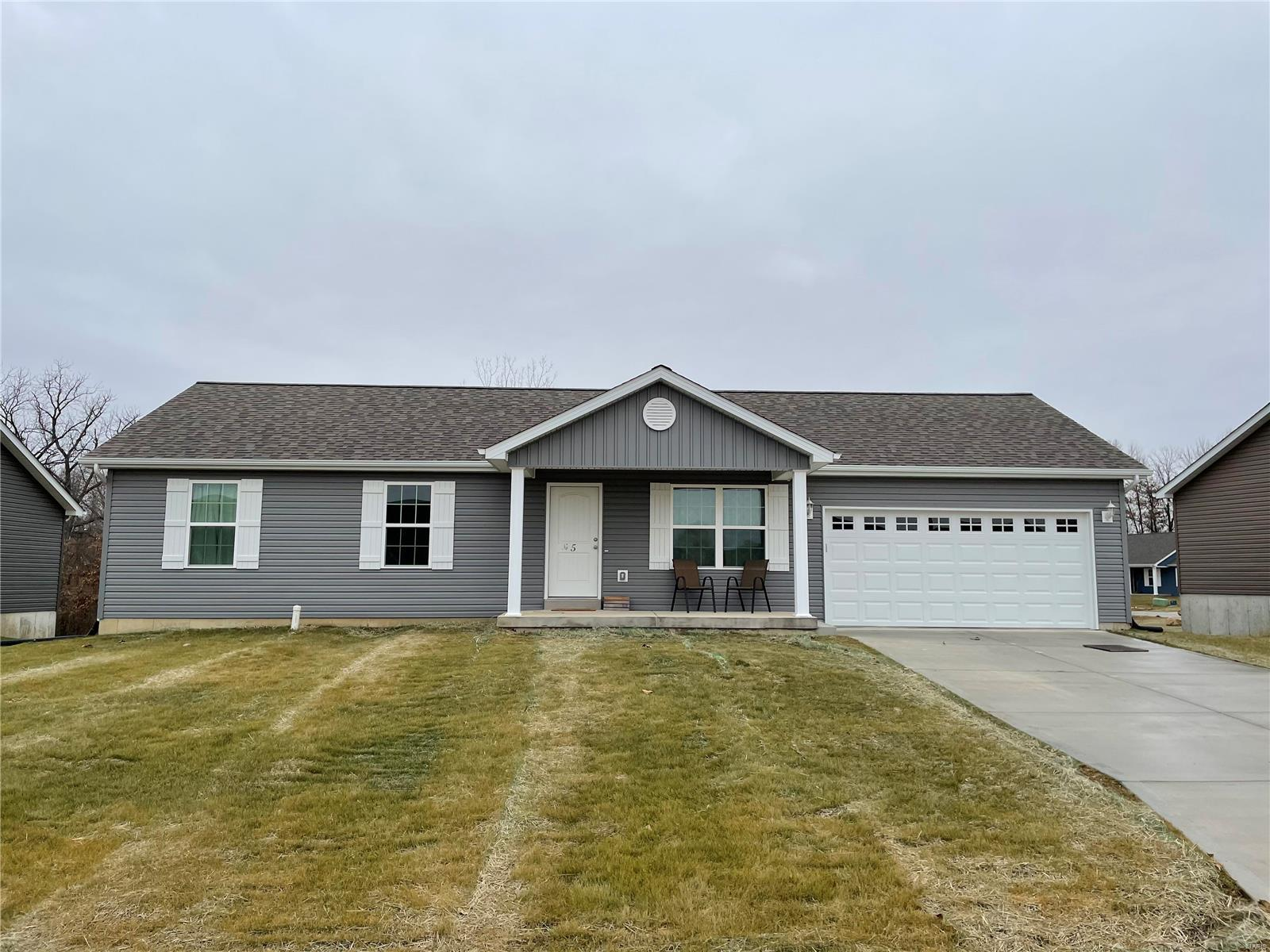 211 Jonas Lane Court Property Photo - Winfield, MO real estate listing