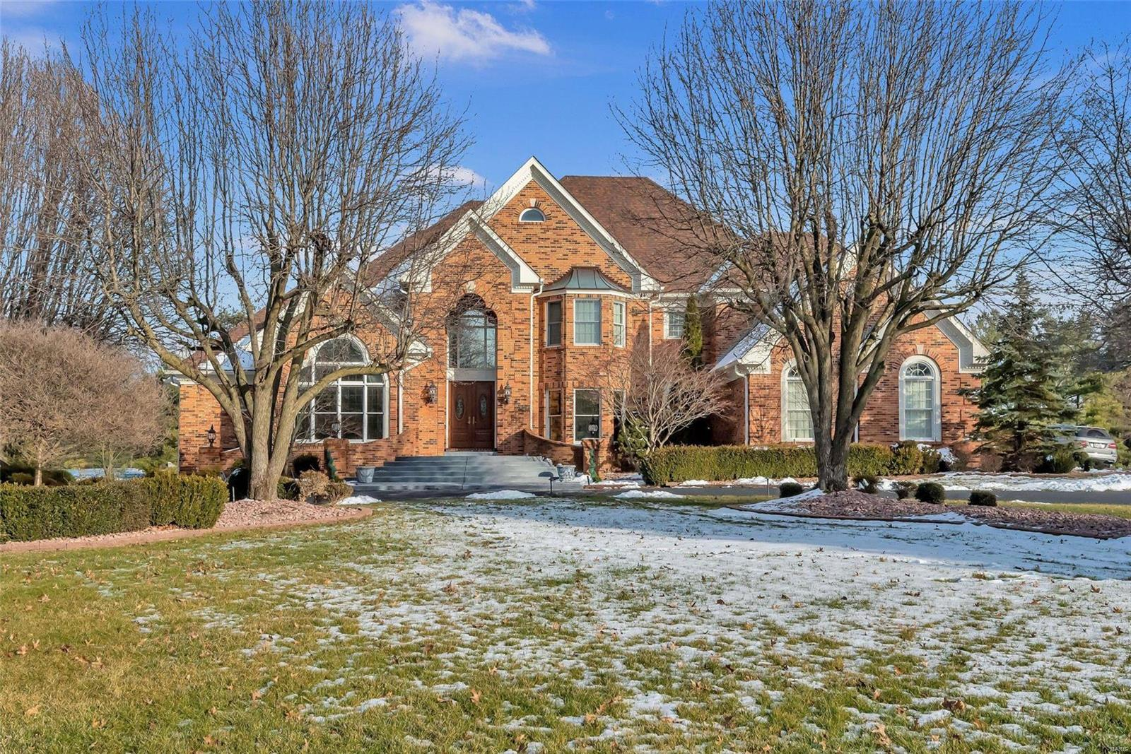 736 The Hamptons Lane Property Photo - Town and Country, MO real estate listing