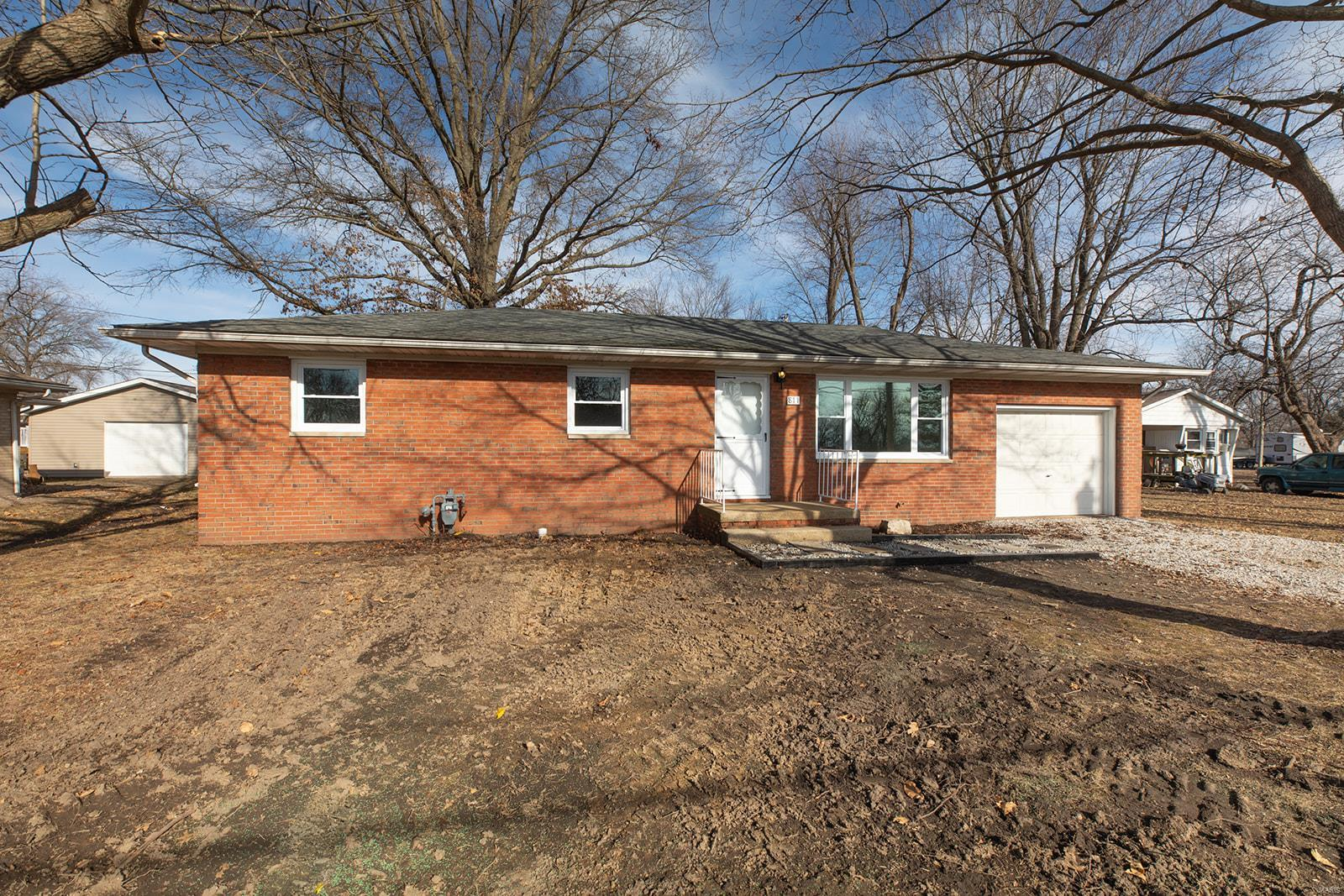811 John Property Photo - Bunker Hill, IL real estate listing