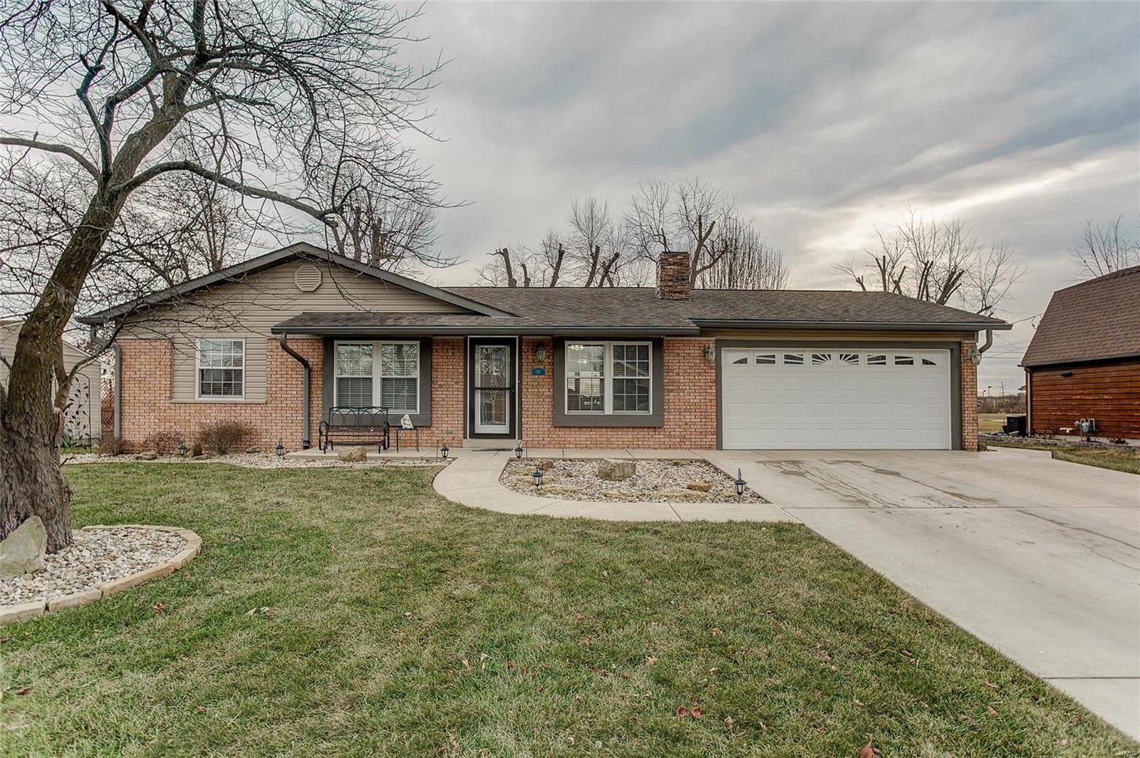 218 E Shiloh Drive Property Photo - Red Bud, IL real estate listing