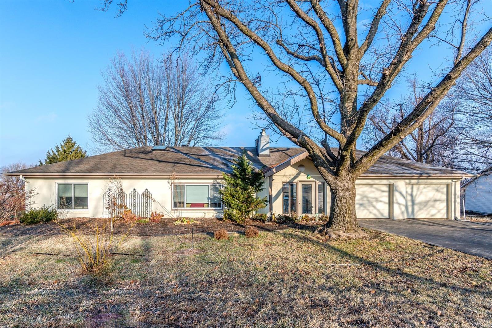 Barnett Acres Real Estate Listings Main Image