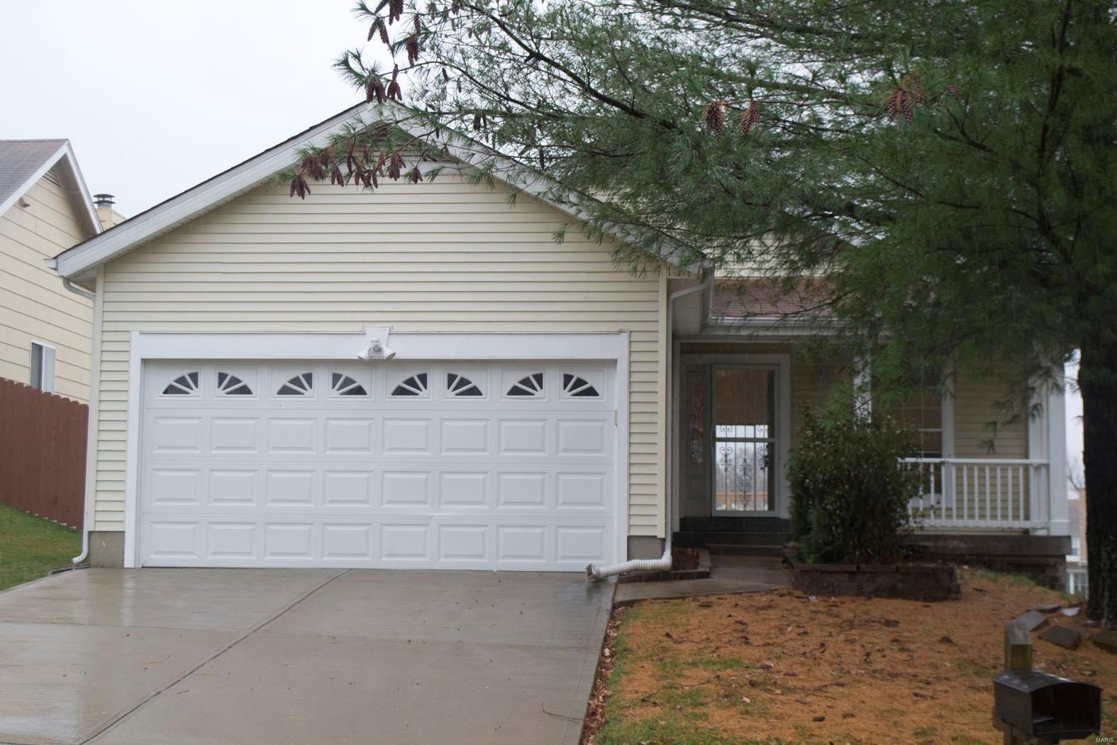 12892 High Crest Property Photo - Black Jack, MO real estate listing