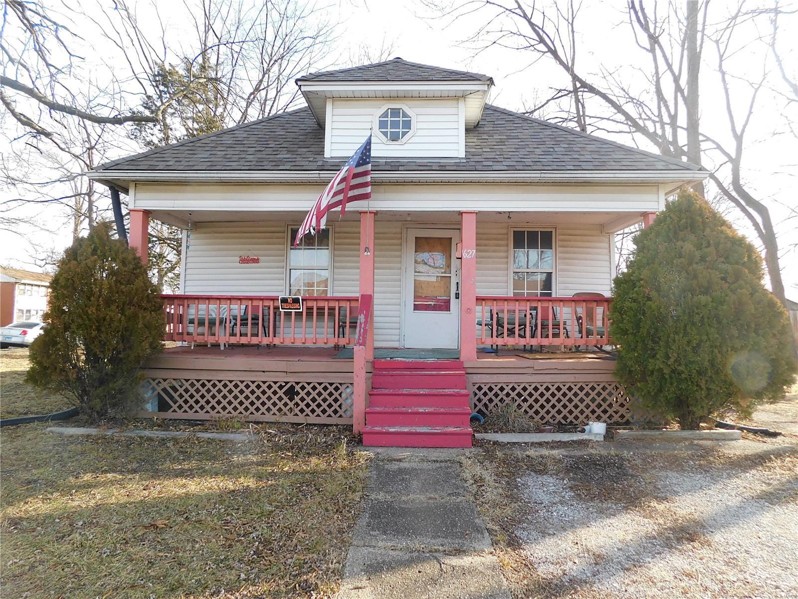 627 Anderson Property Photo - Carlinville, IL real estate listing