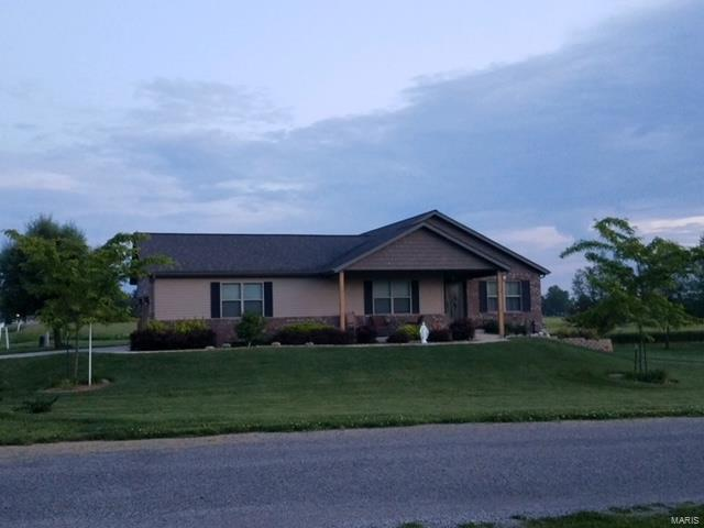 424 Duffy Drive Property Photo - Marine, IL real estate listing