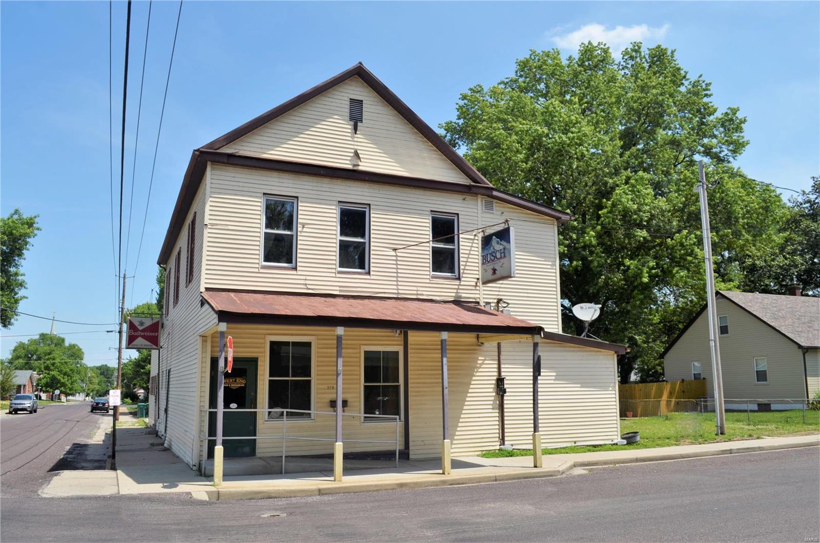 319 W Laurel Street Property Photo - Millstadt, IL real estate listing