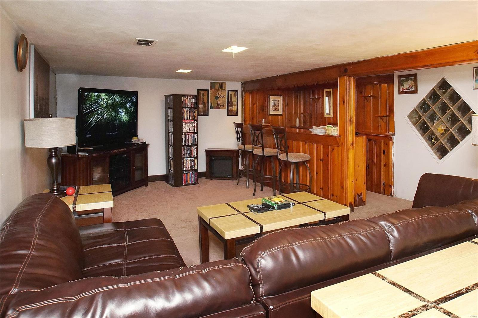 9233 Bellefontaine Road Property Photo - St Louis, MO real estate listing