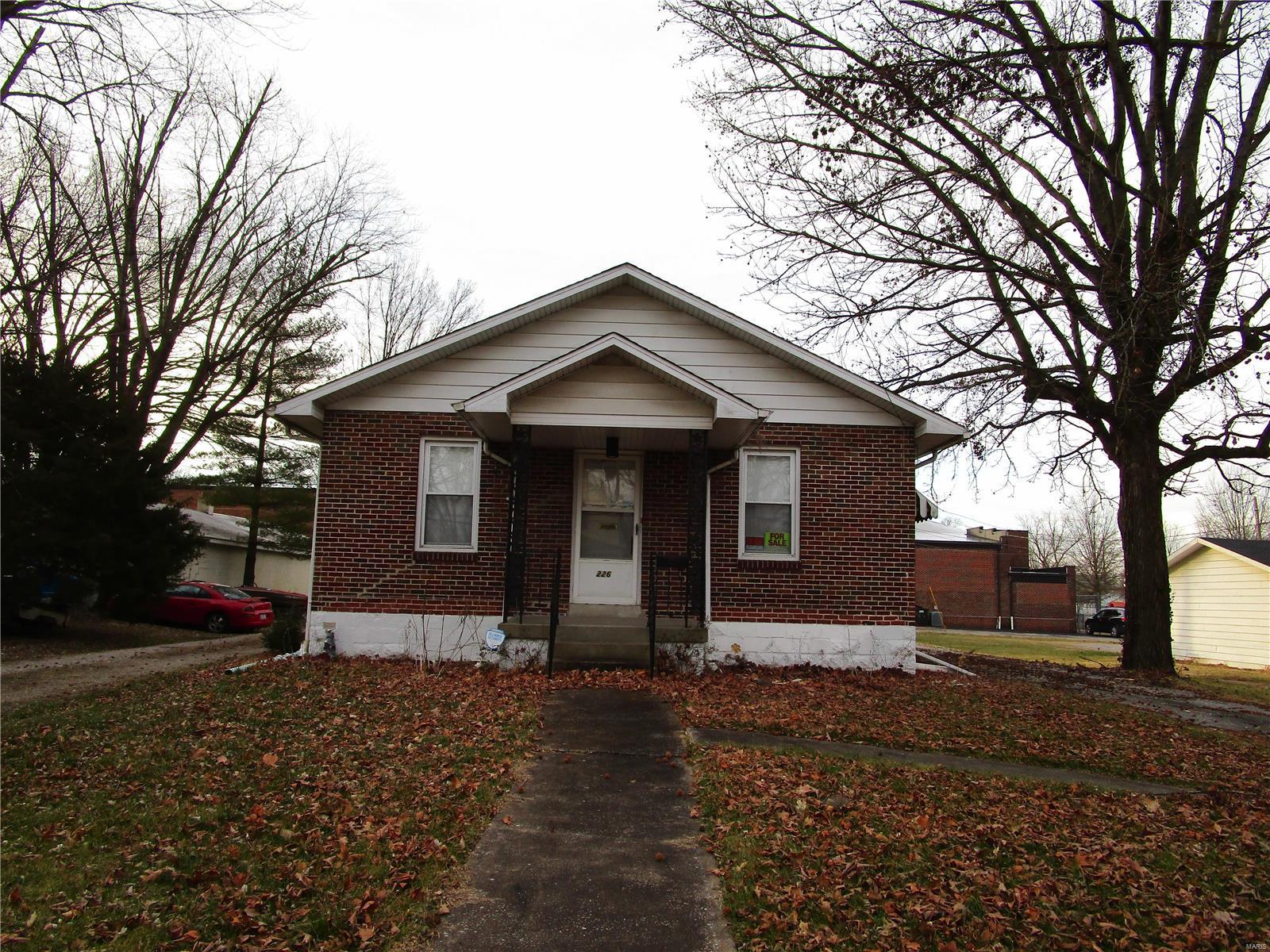 226 E Lyons Property Photo - Marissa, IL real estate listing