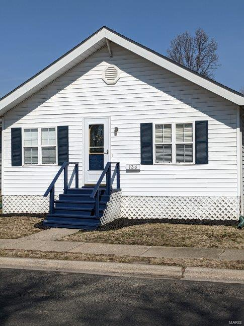 136 W 2nd Property Photo - Roxana, IL real estate listing