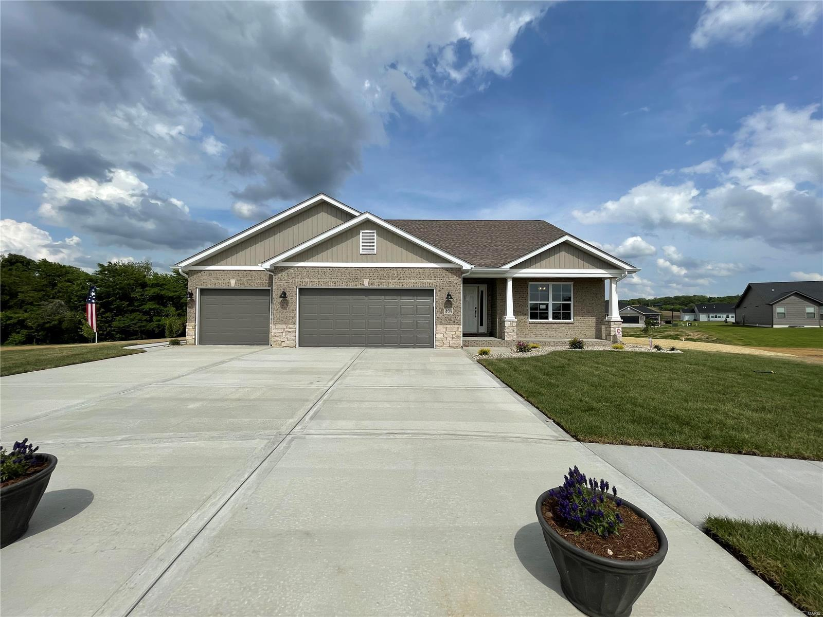 409 Briarberry Property Photo - Shiloh, IL real estate listing