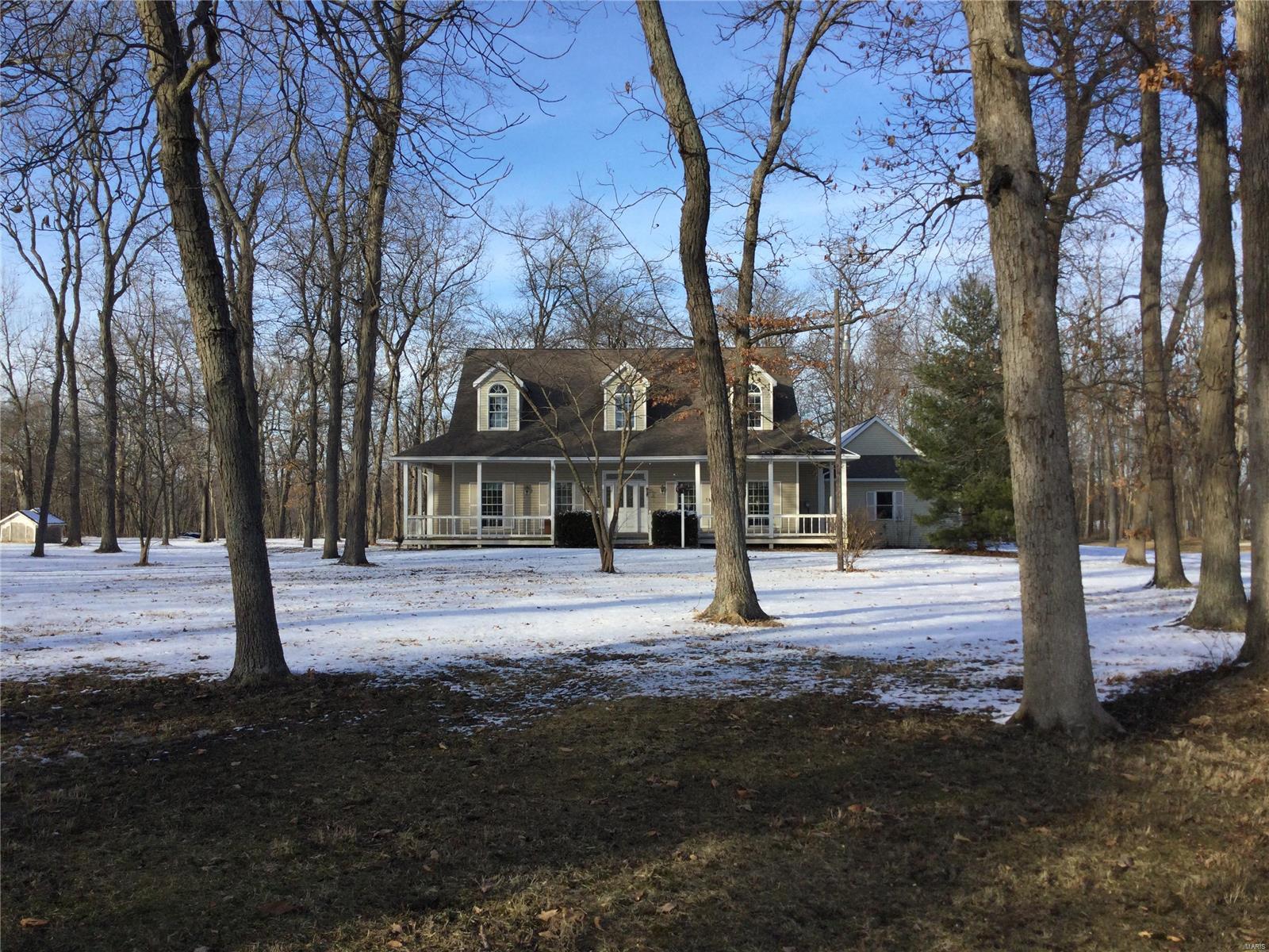 9613 Conrad Road Property Photo - Alhambra, IL real estate listing