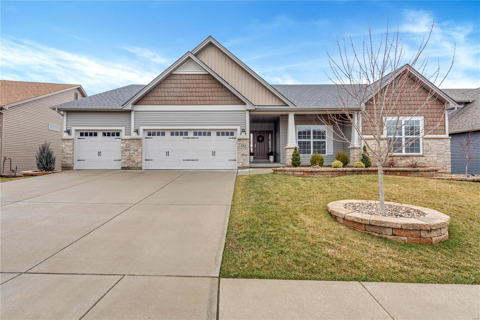 333 Wyndemere Property Photo - Lake St Louis, MO real estate listing