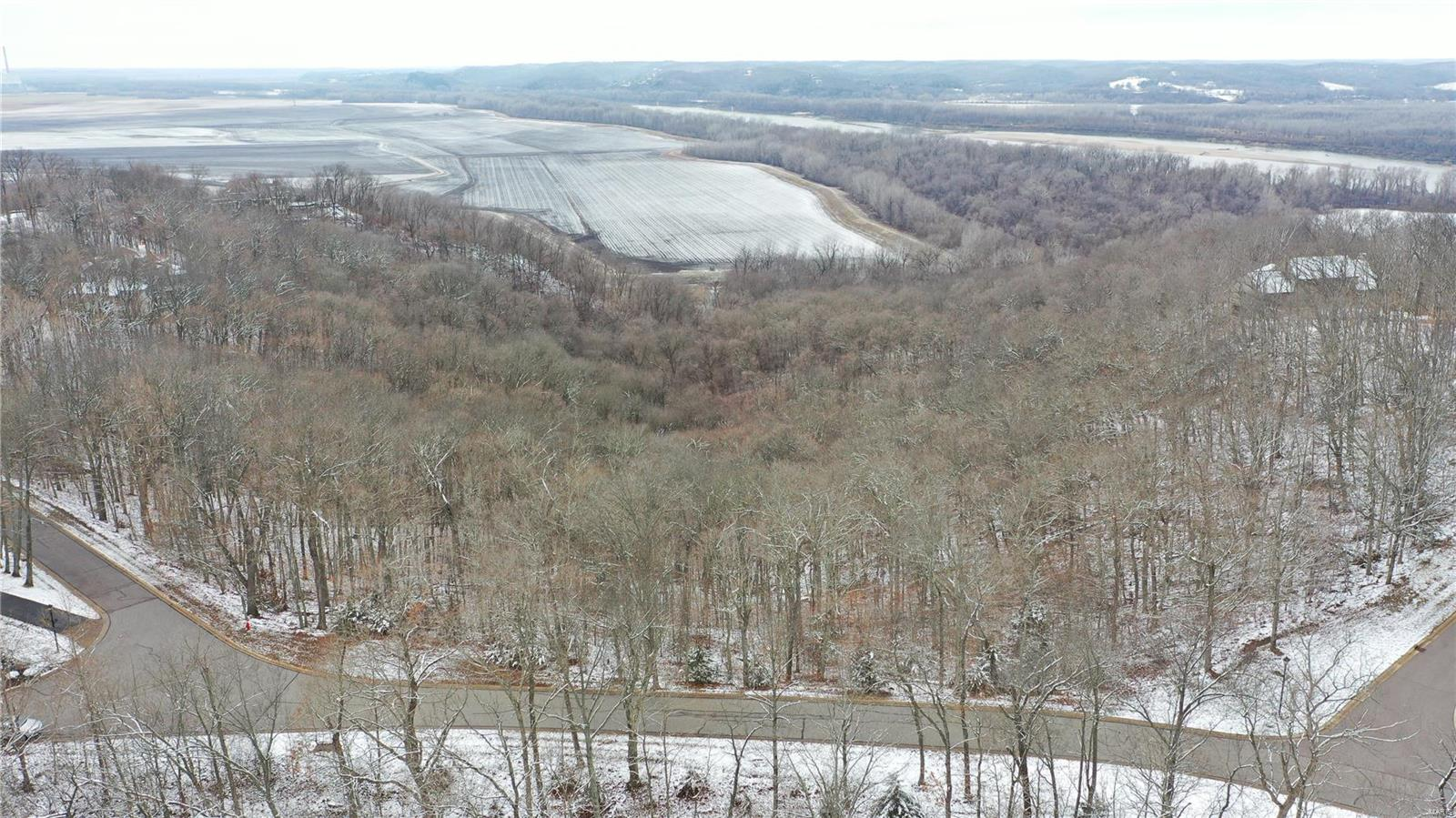 501 Hawk Point Dr, Property Photo - St Albans, MO real estate listing