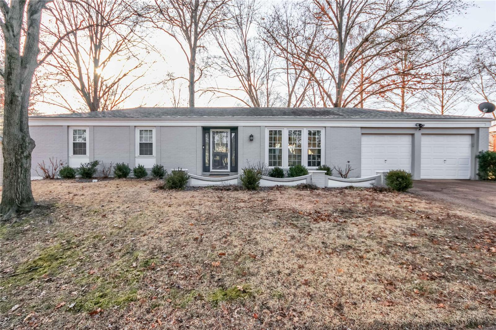 13128 Strawberry Way Property Photo - St Louis, MO real estate listing