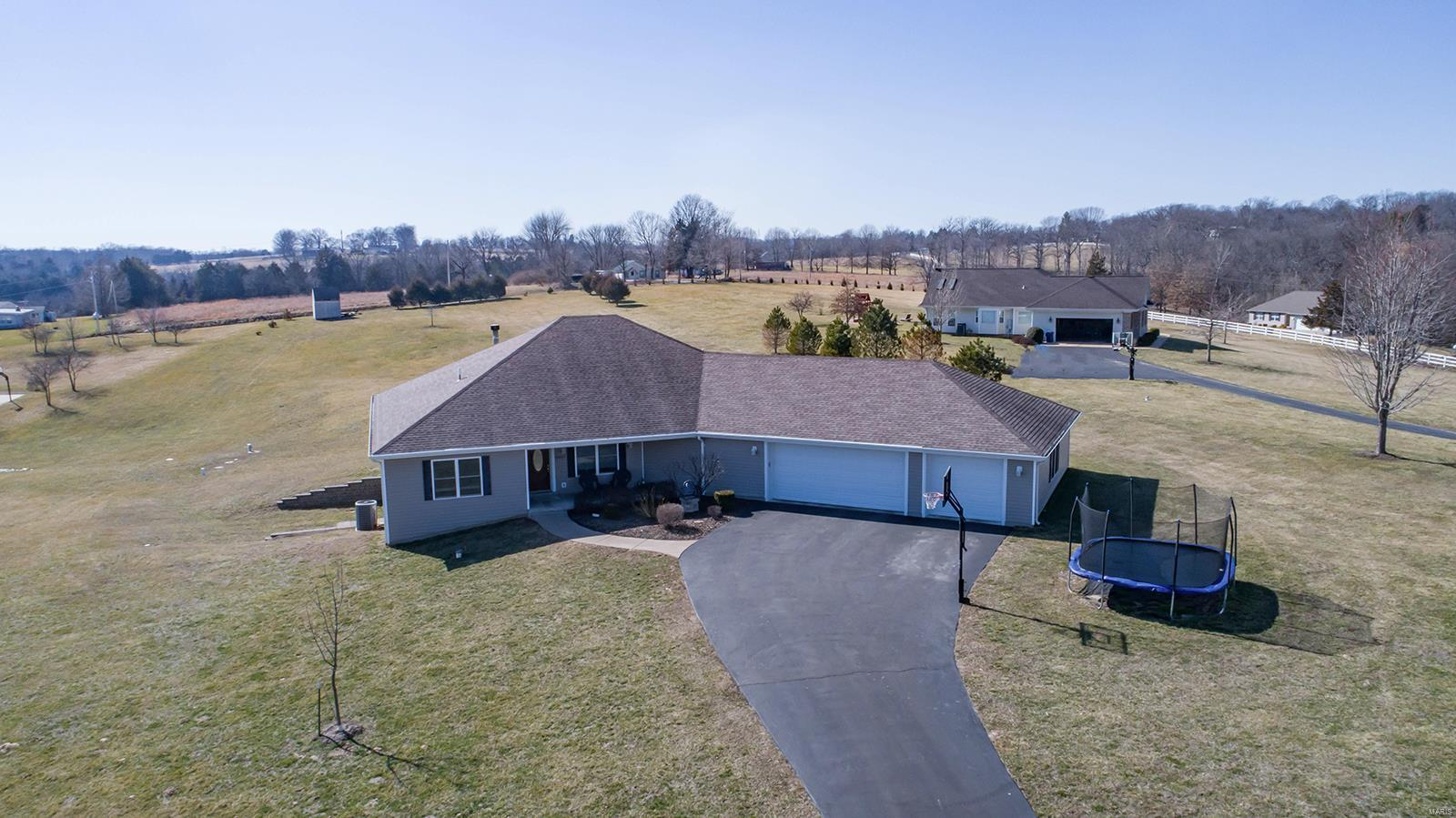 6417 Grayhawk Drive Property Photo - Pacific, MO real estate listing