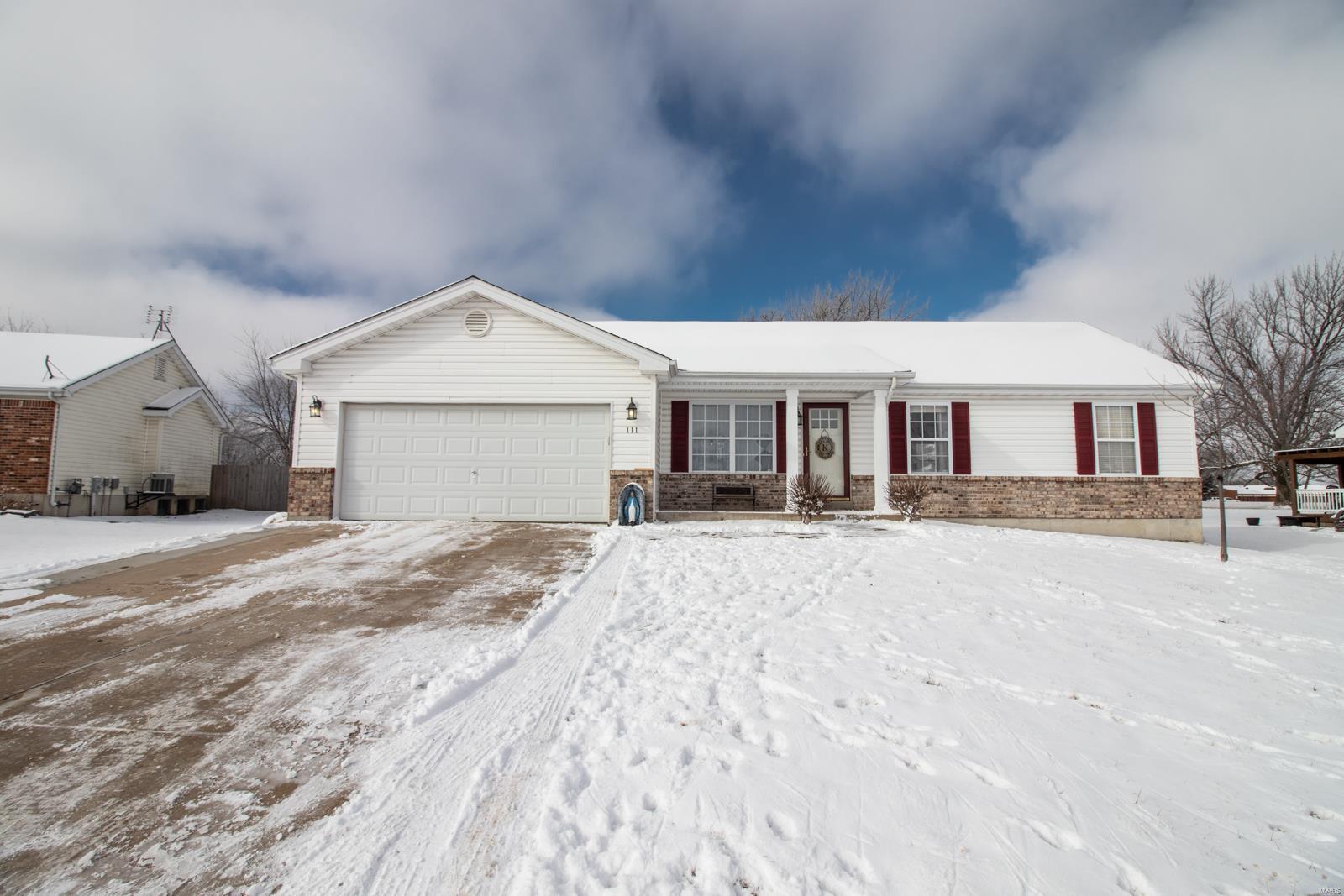 111 Grant Drive Property Photo - Jonesburg, MO real estate listing