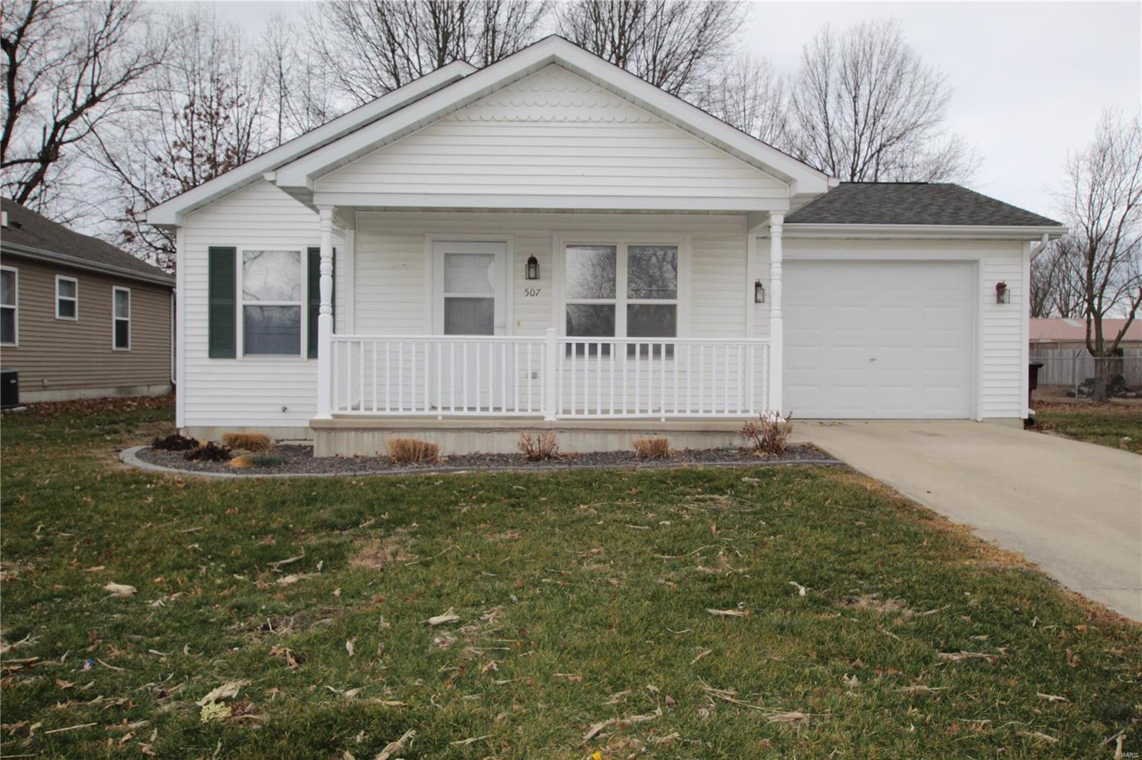 507 ARLINGTON Property Photo - Taylorville, IL real estate listing