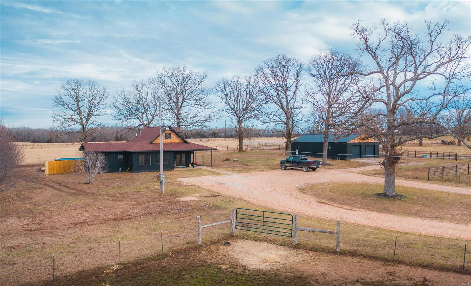 421 West Highway B Property Photo - Raymondville, MO real estate listing