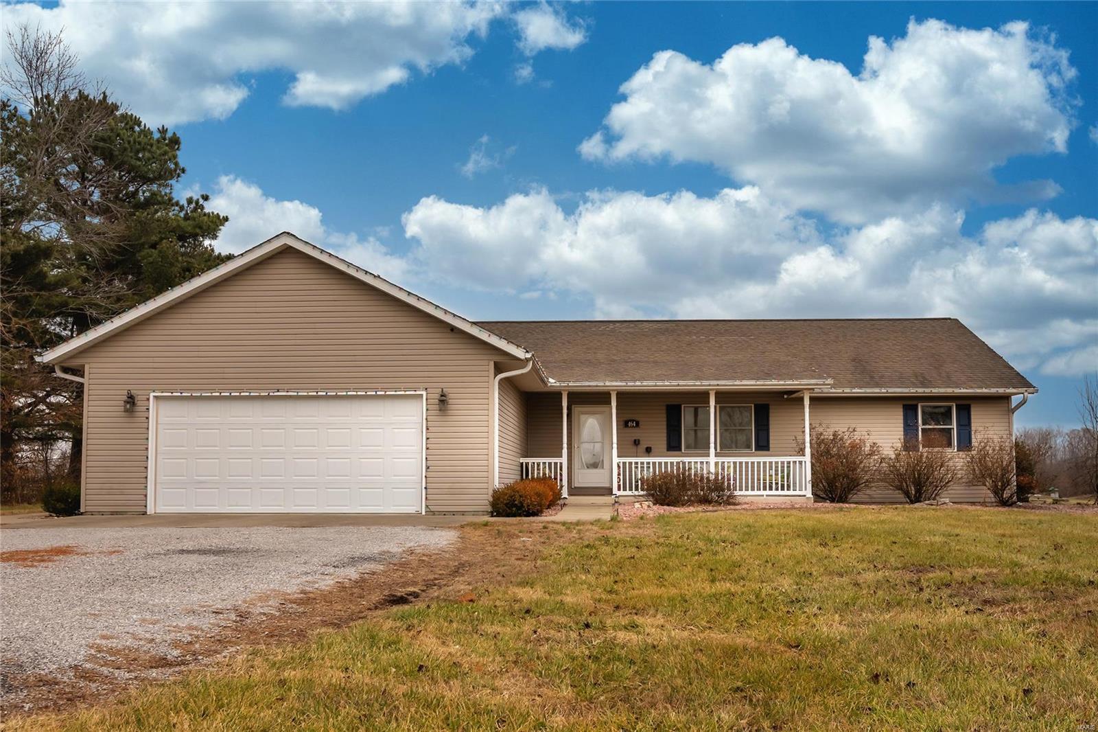 464 Savanna Drive Property Photo 1
