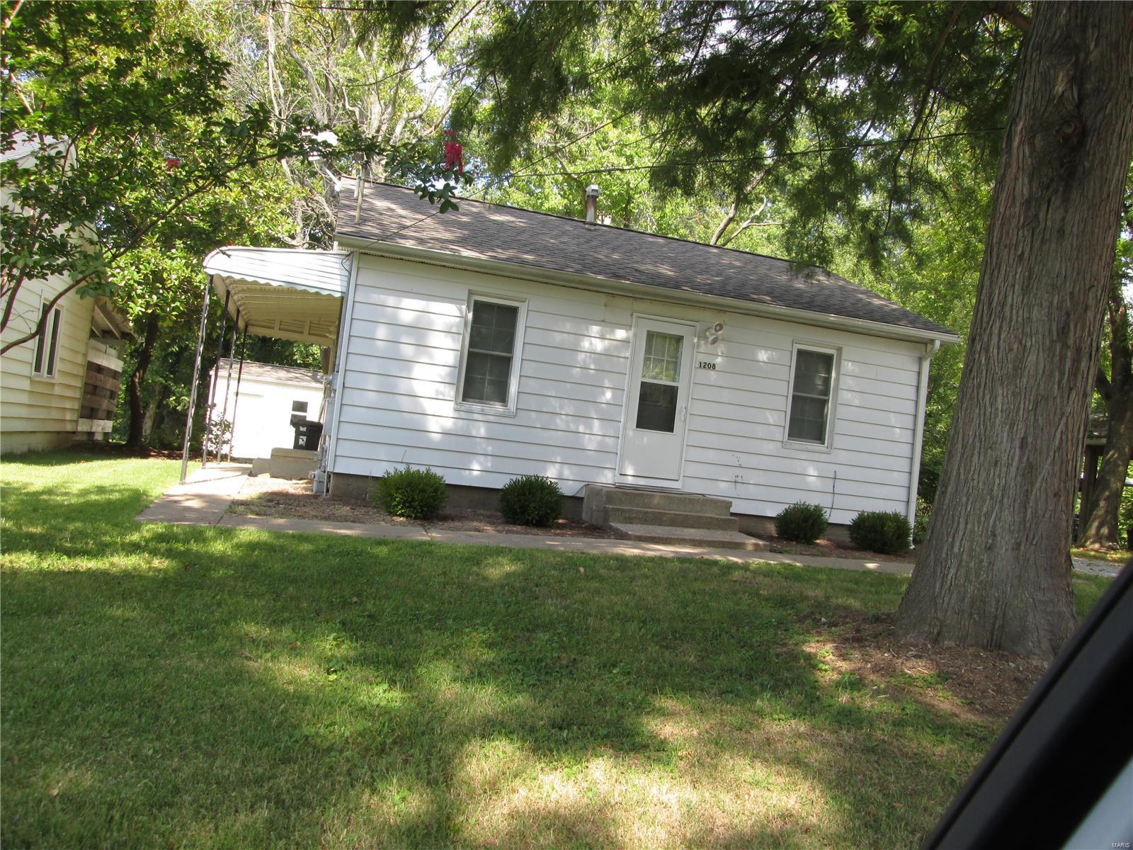 1208 W North Street W #1208 Property Photo - Carbondale, IL real estate listing