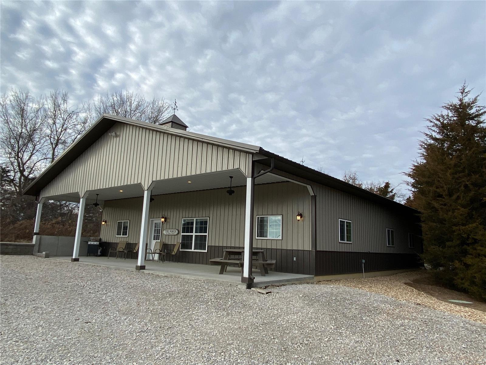22486 Happy Hollow Place Property Photo - Perry, MO real estate listing