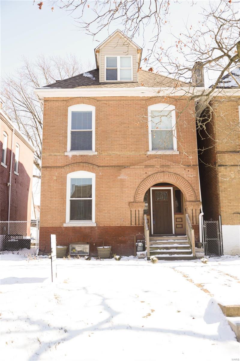 938 Maryville Avenue Property Photo