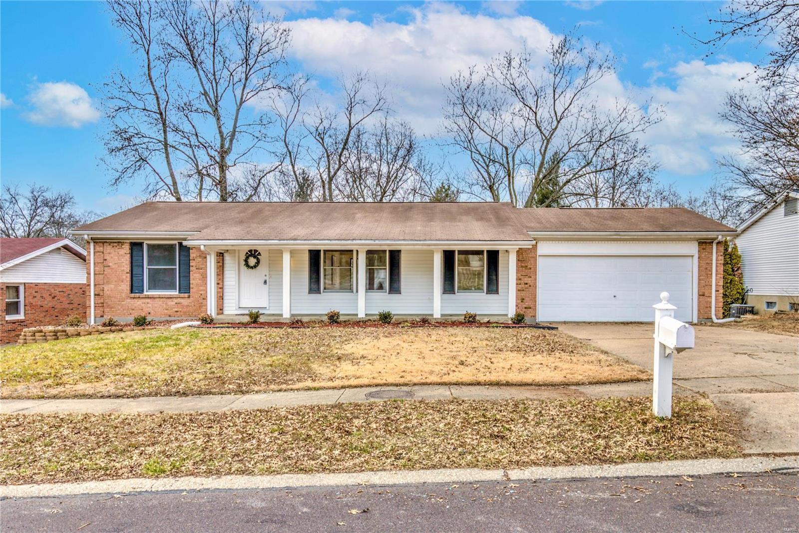 13037 Vanderwood Drive Property Photo - Black Jack, MO real estate listing