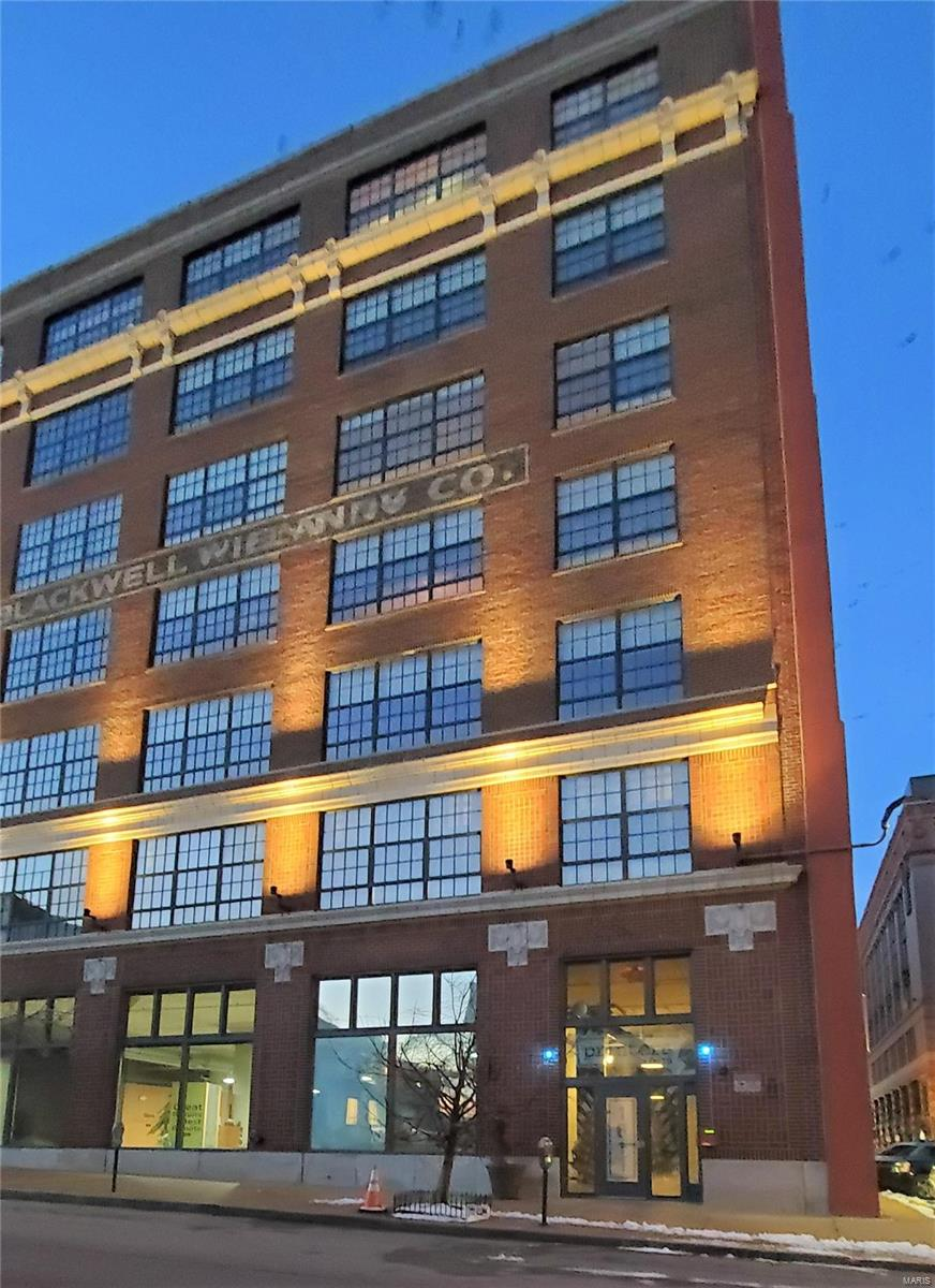 1611 Locust Street #402 Property Photo - St Louis, MO real estate listing
