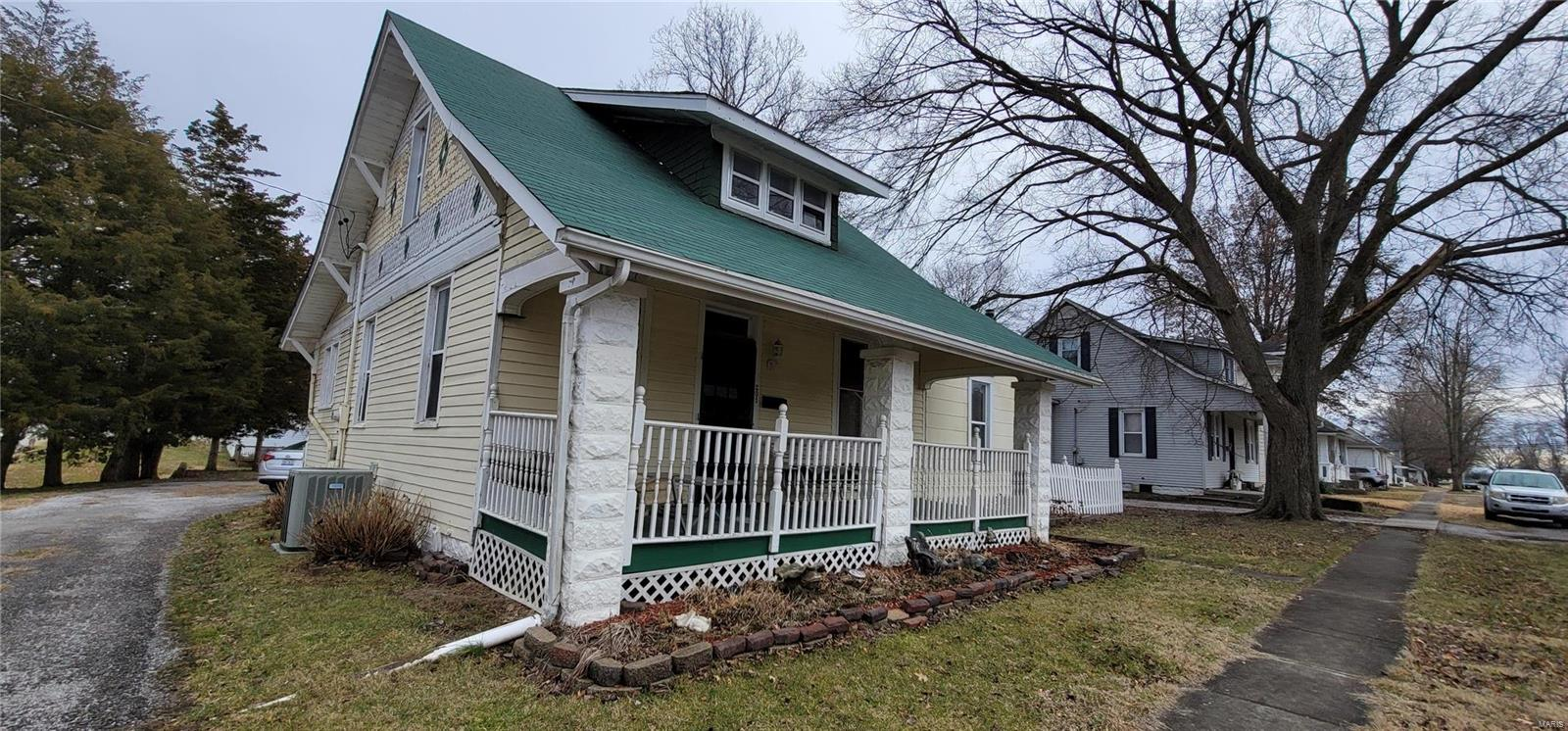 201 S Jackson Street Property Photo - New Athens, IL real estate listing
