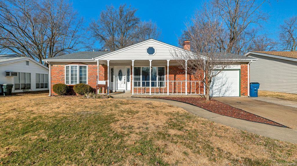 7427 Foxfield Property Photo - Hazelwood, MO real estate listing