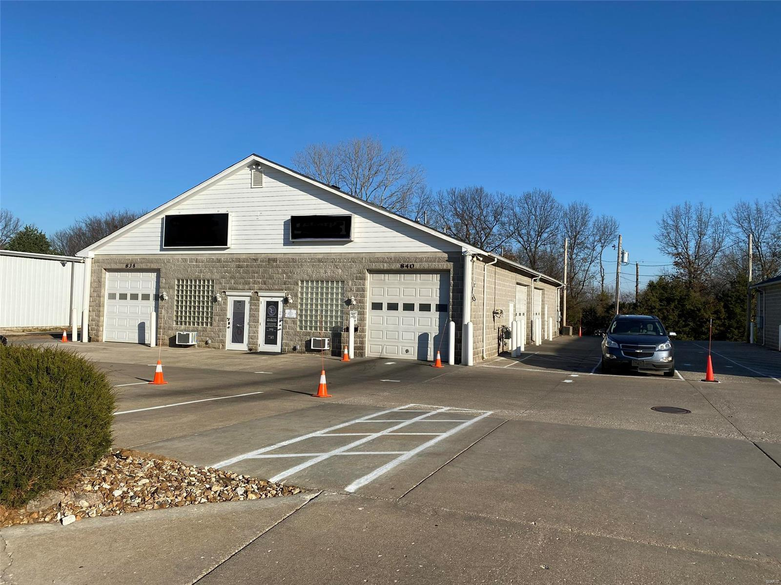 838 Midpoint Drive Property Photo - O'Fallon, MO real estate listing