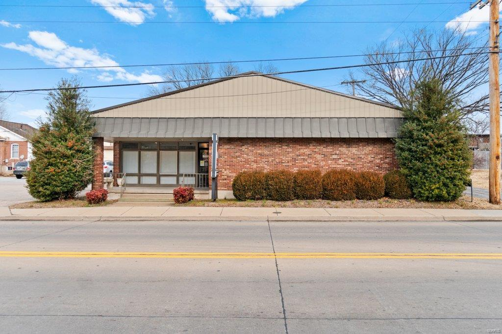 824 Independence Street Property Photo - Cape Girardeau, MO real estate listing