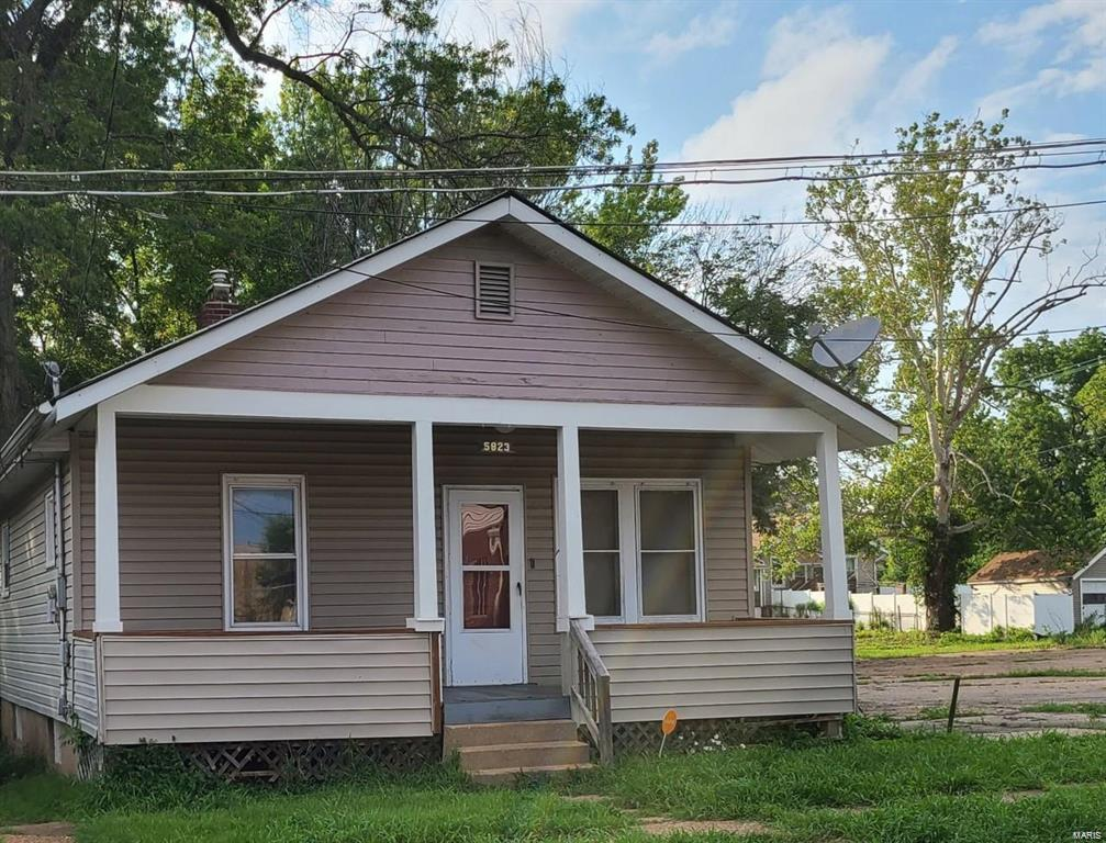 5823 Helen Avenue Property Photo - Jennings, MO real estate listing