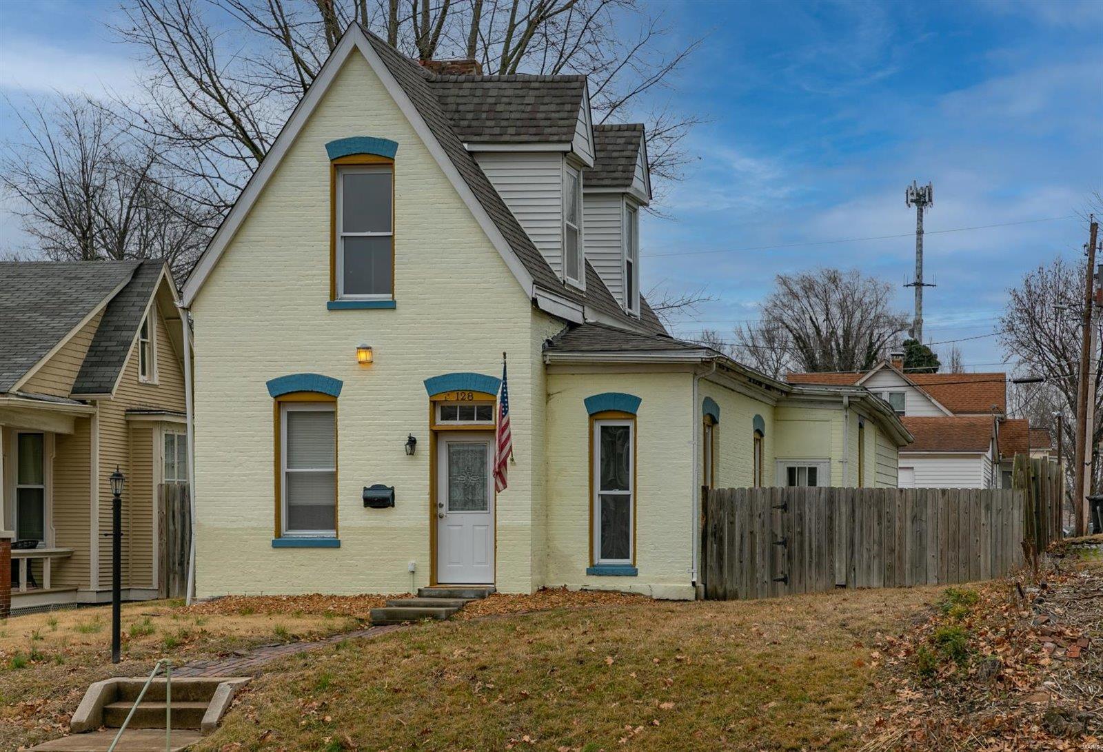 128 N Pennsylvania Avenue Property Photo