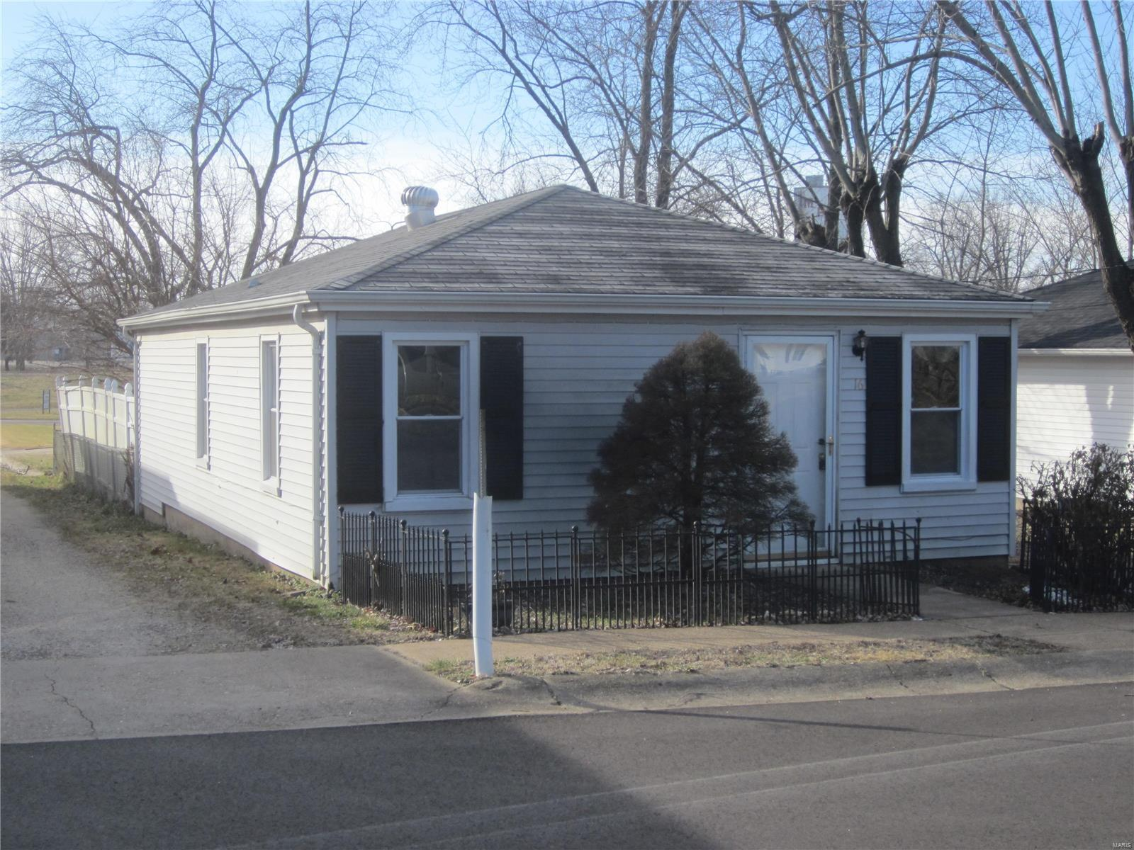 16 W 2nd Street Property Photo - Gerald, MO real estate listing
