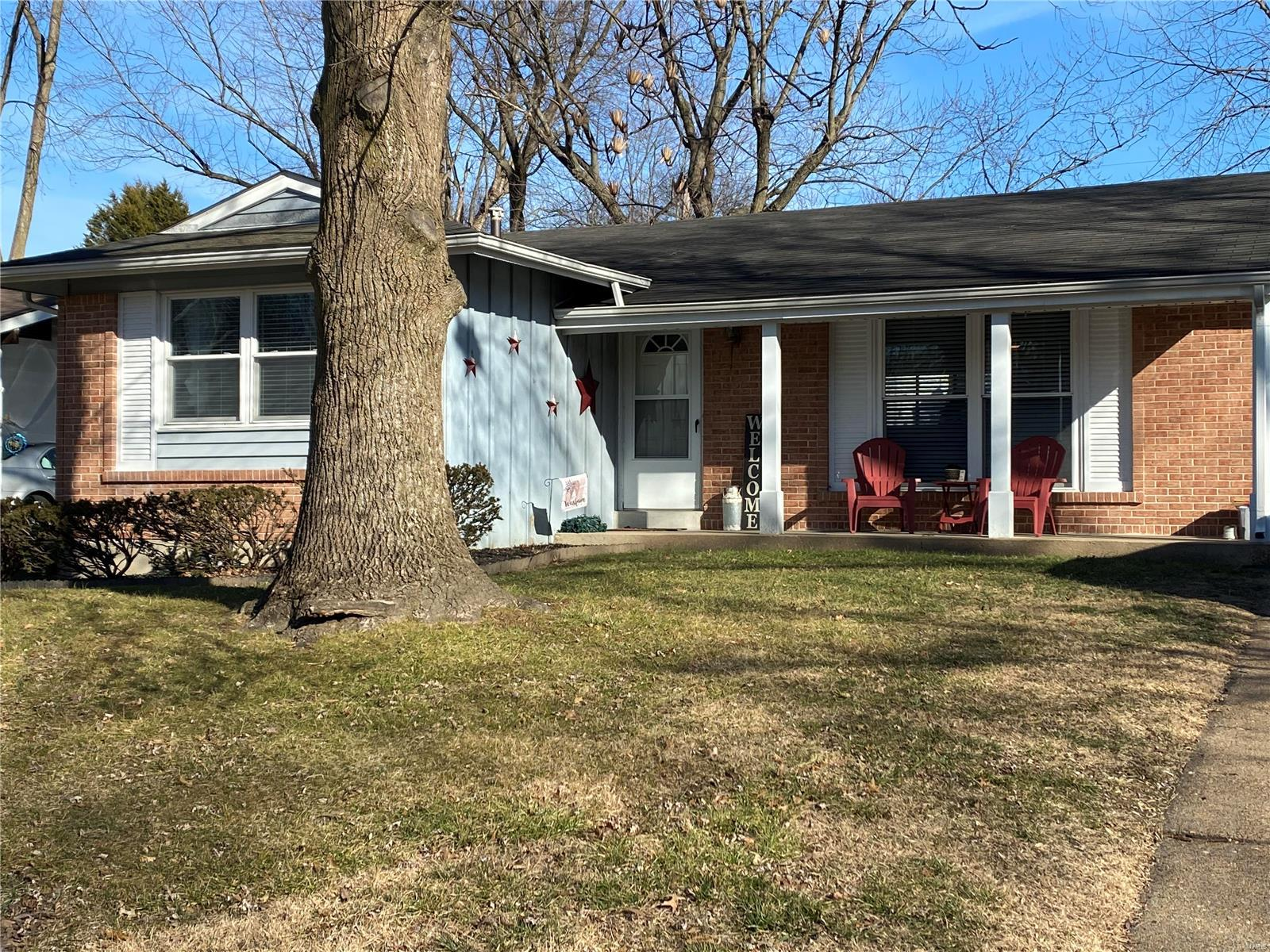 2246 Murray Forest Property Photo - Maryland Heights, MO real estate listing
