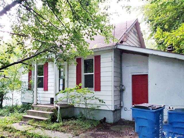 205 E Heacock Street Property Photo - Jonesboro, IL real estate listing