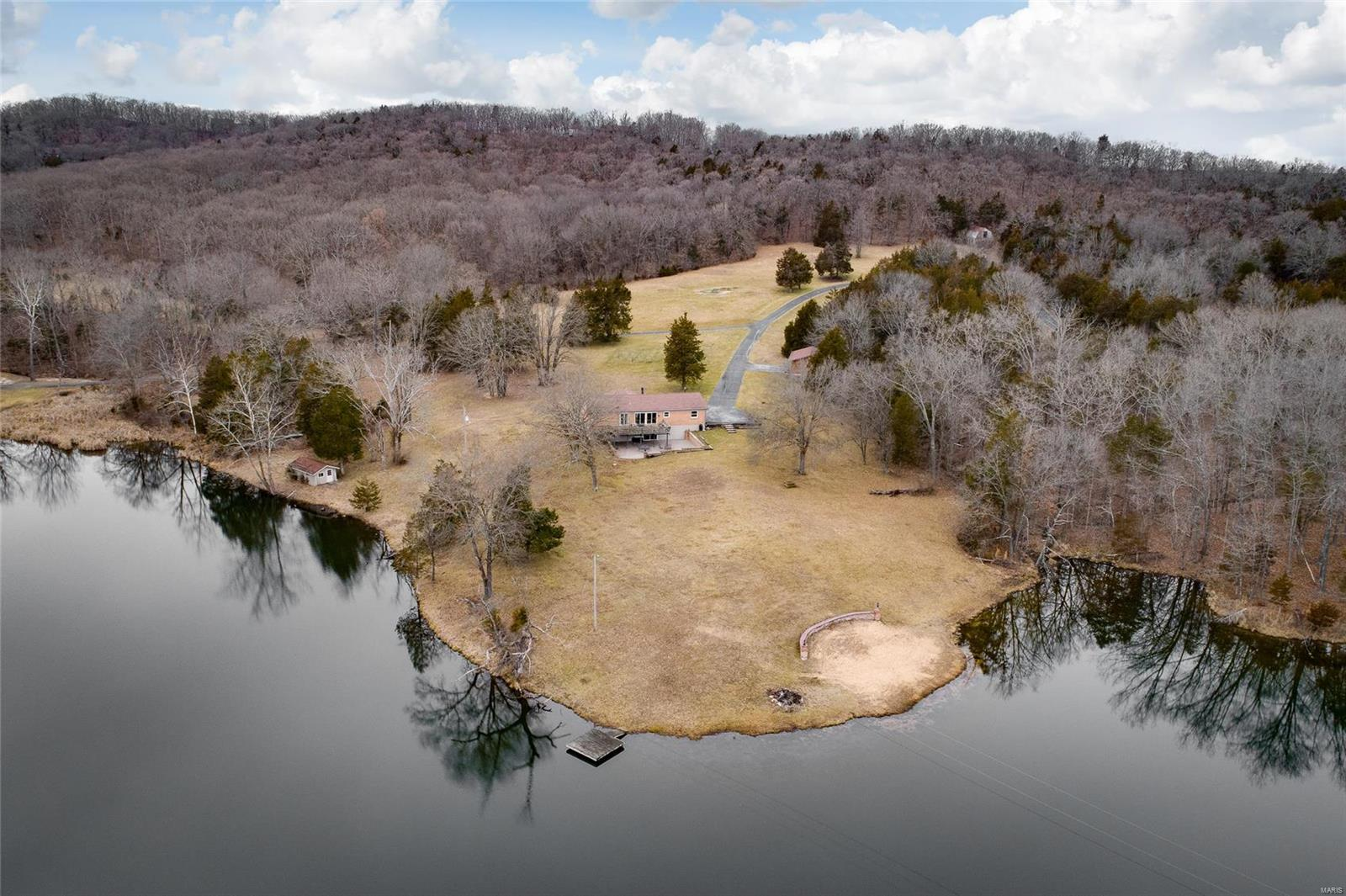 1945 Casey's cove Lane Property Photo - Pacific, MO real estate listing