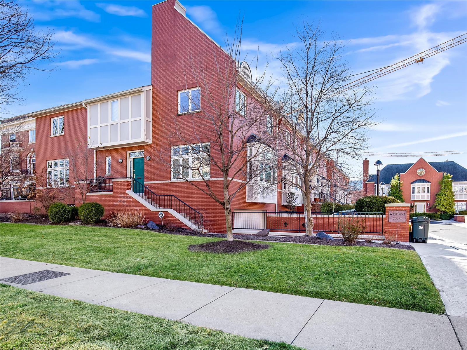 4550 W Pine Boulevard Property Photo