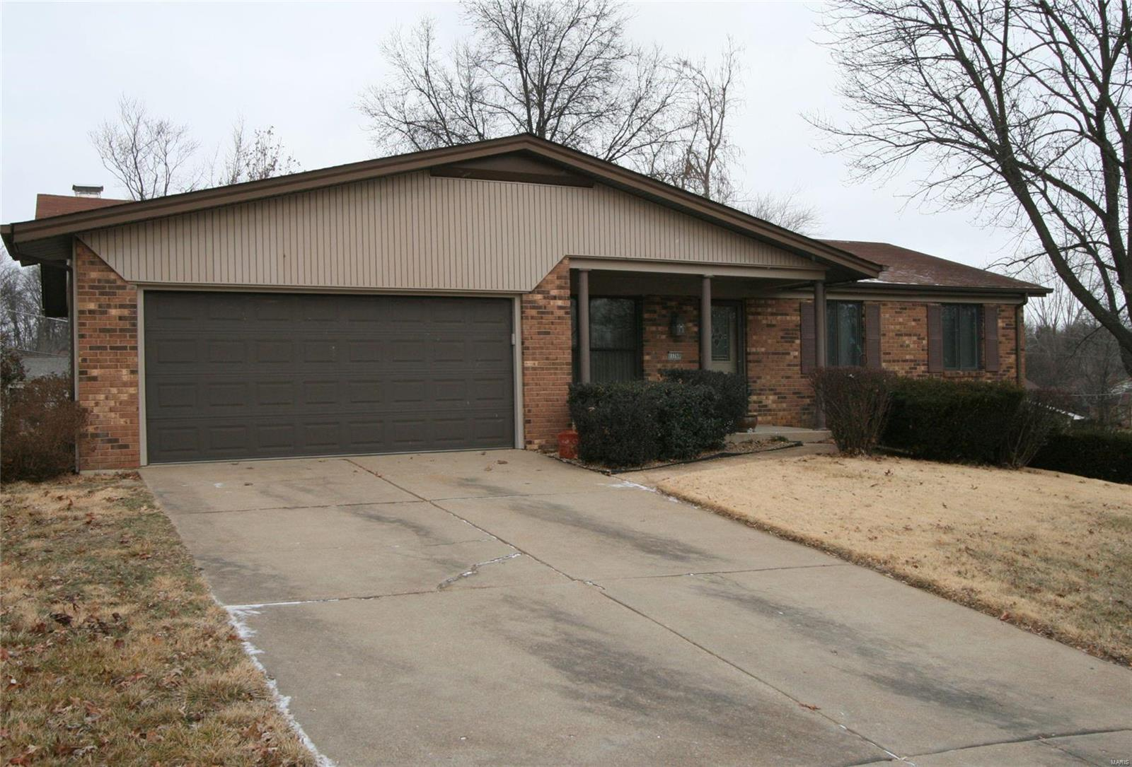 11760 Chess Drive Property Photo - Bridgeton, MO real estate listing