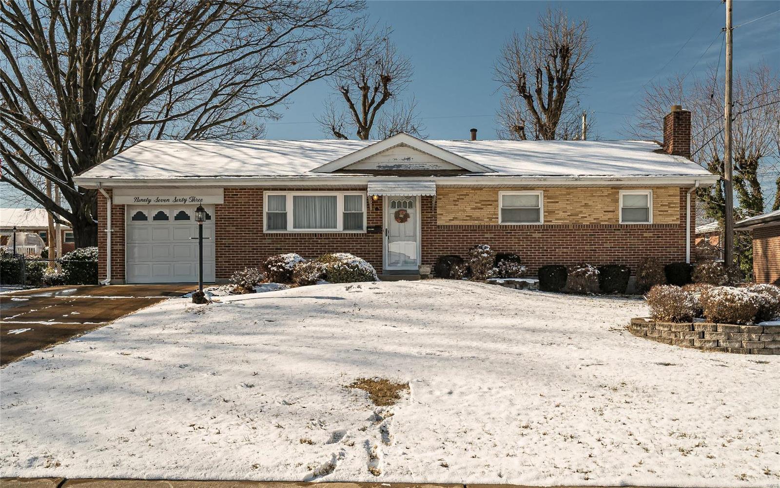 9763 Jomel Drive Property Photo - Affton, MO real estate listing
