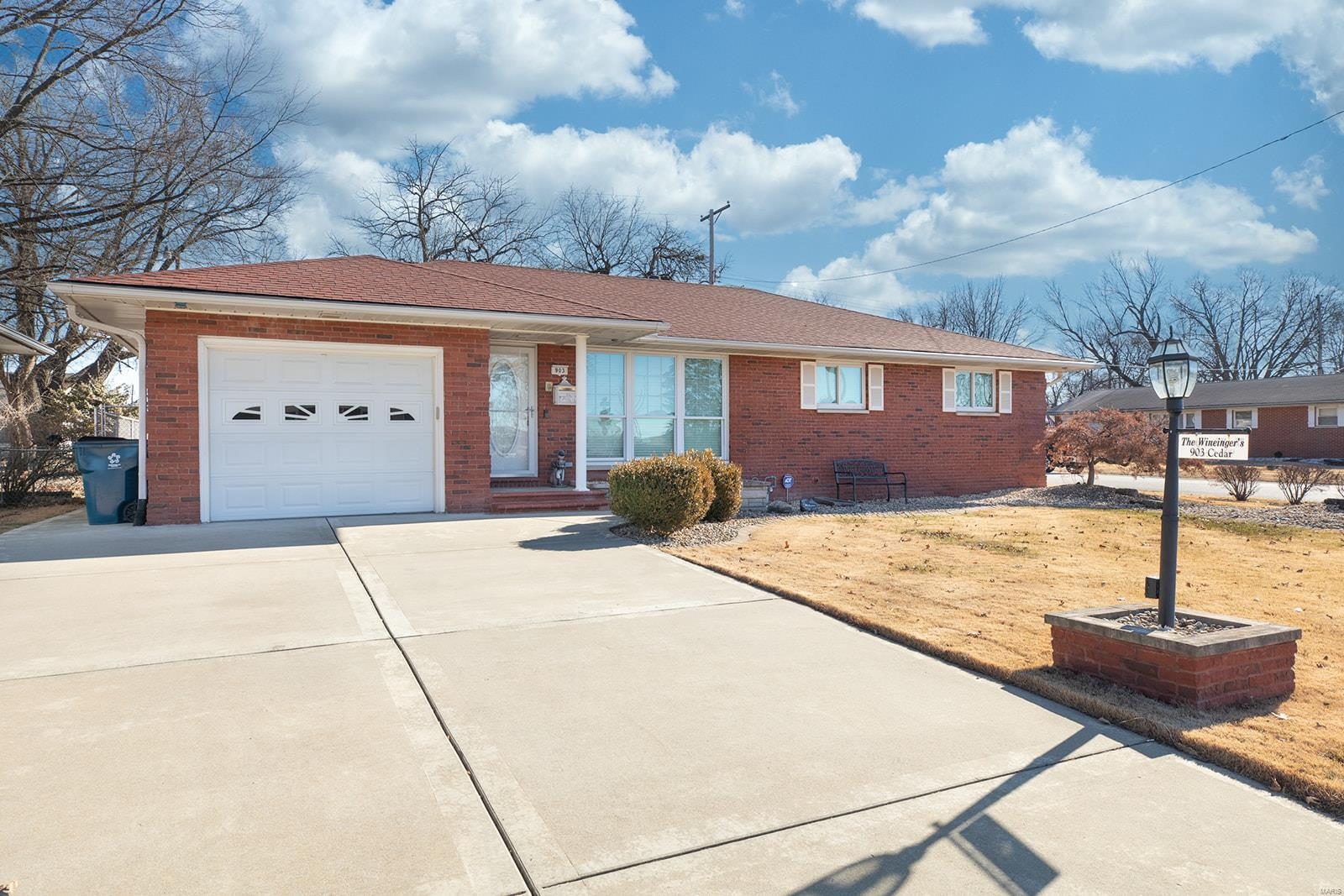 903 Cedar Drive Property Photo - Wood River, IL real estate listing