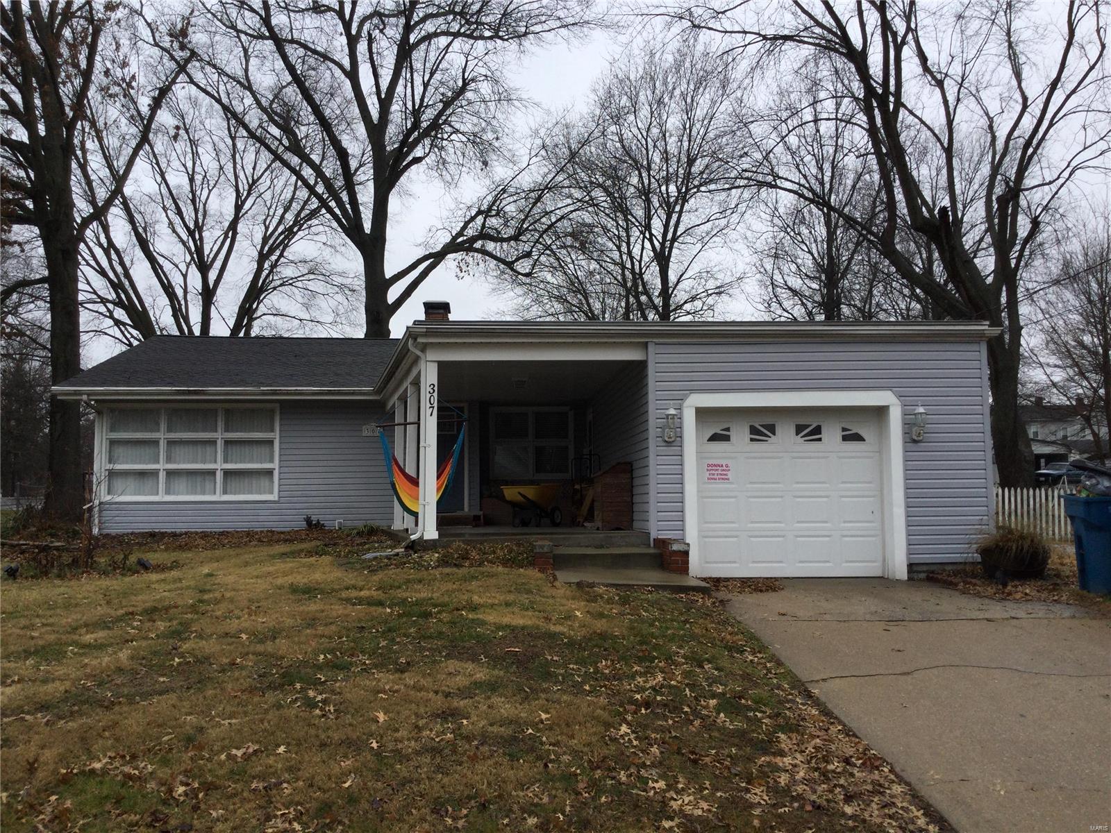 307 S Hickory Street Property Photo