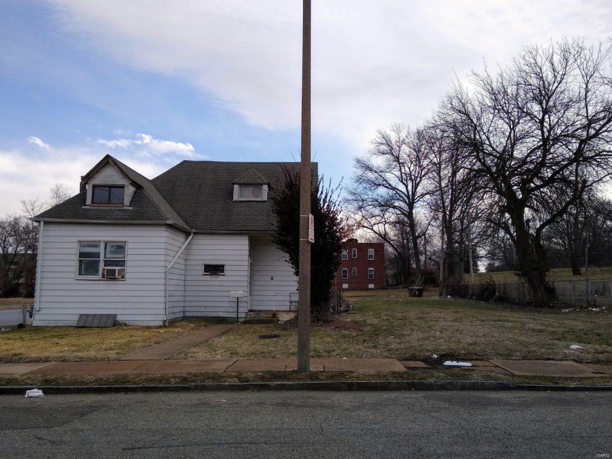 2870 Belt Avenue Property Photo - St Louis, MO real estate listing