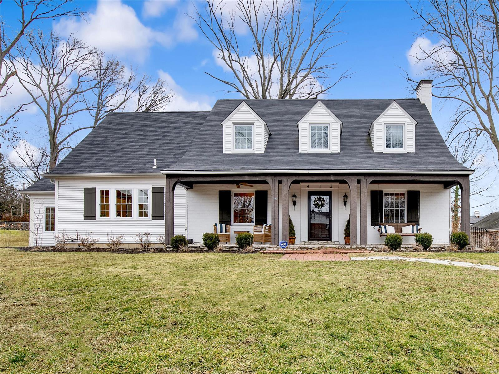 412 Hawbrook Court Property Photo - Kirkwood, MO real estate listing
