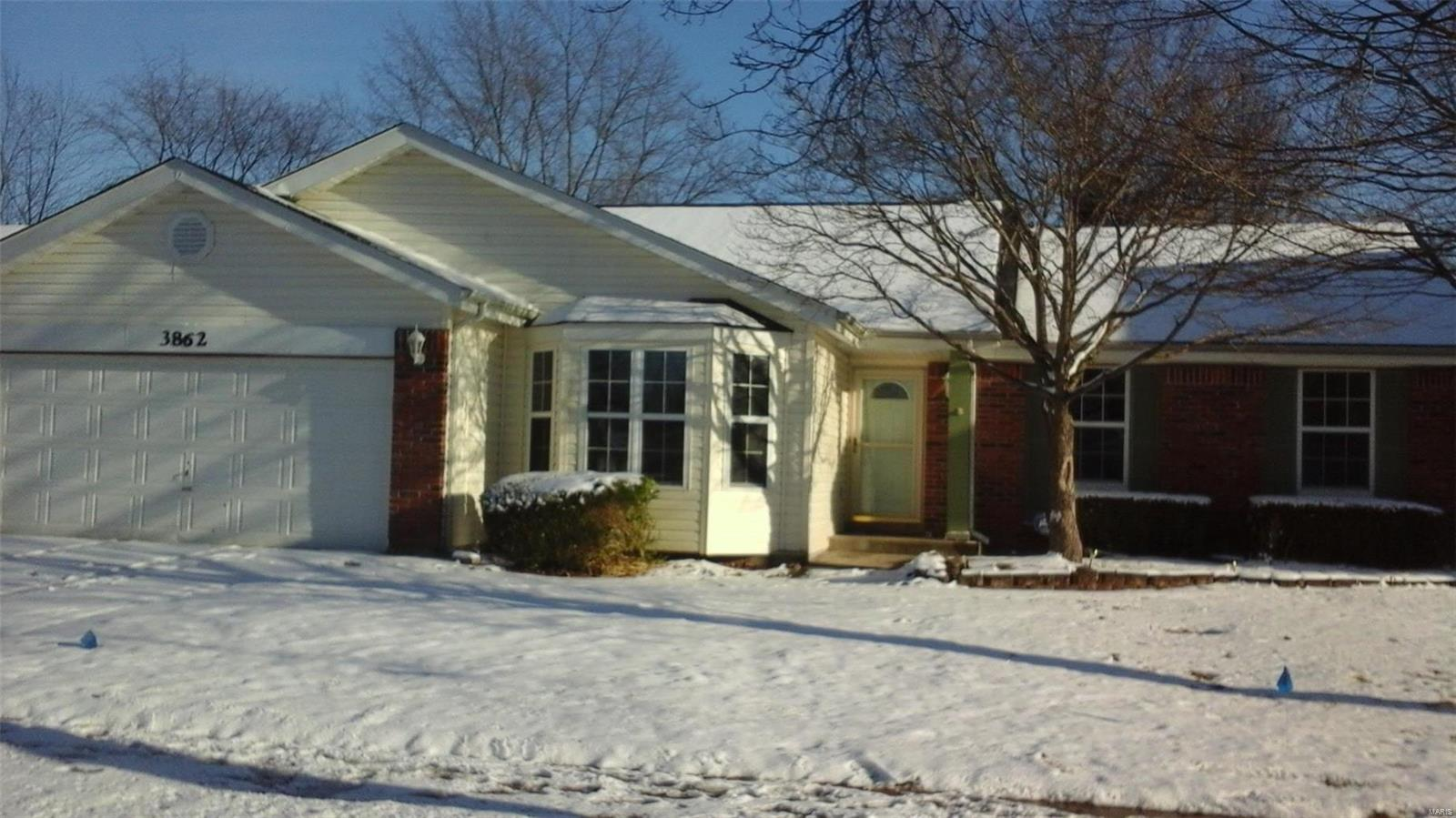 3862 Justice Property Photo - Florissant, MO real estate listing