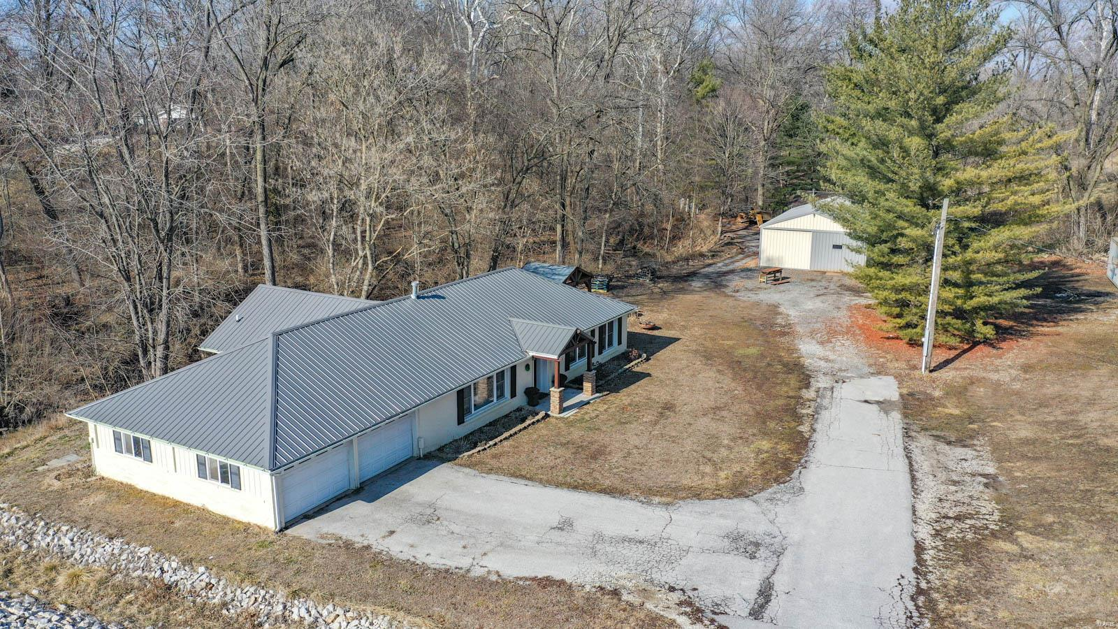 21146 State Highway 3 Property Photo - Grafton, IL real estate listing